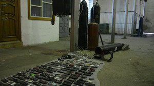 В Томске сотрудники Исправительной Колонии нашли в кислородном баллоне 169 мобильных