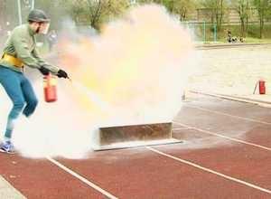 Саяногорские пожарные победили в республиканских соревнованиях по пожарно-прикладному спорту