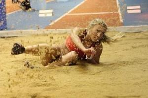 Прыгунья из Хакасии взяла золото на чемпионате Сибири