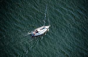 У берегов Испании, на яхте найдены тела россиянки и итальянца.