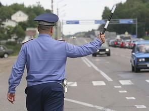 В Саяногорске агрессивные пассажиры защищали пьяную автоледи от полицейских
