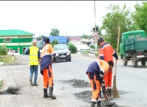 В Геологах ремонтируют дорогу