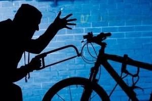 В Хакасии работник ЖЭКа польстился на чужой велосипед