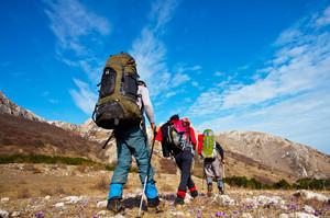 В горах Сибири туристы бросили раненого товарища