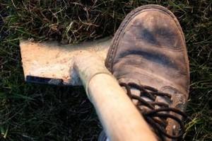 Житель Хакасии украл мопед, чтобы его закопать