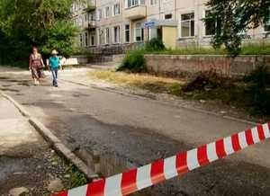 В Саяногорске ремонтируют пешеходные дорожки