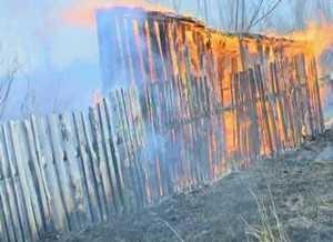 Сгорел очередной дачный домик