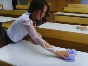 Министр образования хочет вернуть в школы дежурство по уборке классов