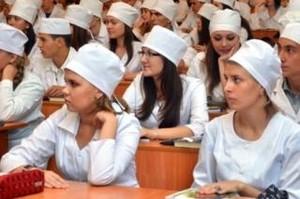 За парты в Саяногорске сели студенты-медики