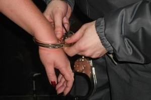 Жительница Саяногорска пойдет под суд за оскорбление полицейских
