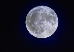 Ночью жители Хакасии смогут увидеть необычайно большую Луну