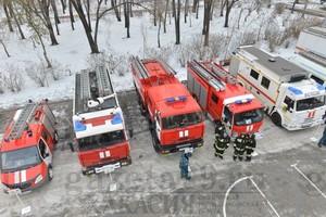 В Абакане на Первомайской площади прошёл смотр-парад пожарной и аварийно-спасательной техники