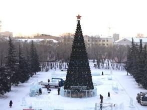 Начался монтаж главной елки Хакасии