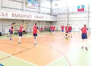 Турнир Якибчука в Саяногорске выиграли команды СФУ и «Тортуга»