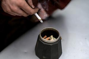 Минздрав предложил обязать курильщиков работать дольше
