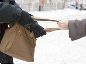 В Саяногорске полиция задержала грабителя, очень нуждавшегося в деньгах