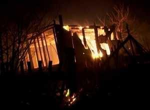 В пожаре на дачах Ай-Дая сгорело два домика