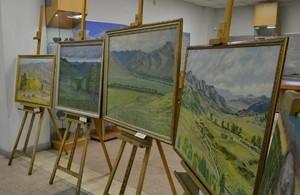 Художественный фонд главного музея Хакасии пополнился новыми полотнами