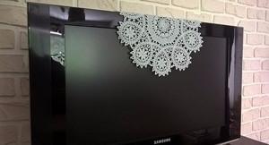 В Саяногорске вор забрал телевизор на глазах у владелицы