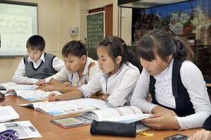 Среди школьников республики выбрали знатоков хакасского языка