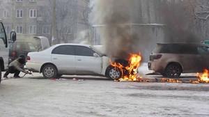 В поселке Майна сгорела иномарка