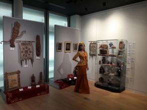 Истории о хакасских шаманах, хайджи и конфеты с черемухой: что отмечают гости выставки «Российский сувенир» в Париже