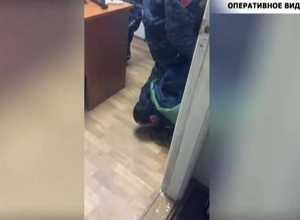 Саяногорца задержали при попытке ограбления офиса страховой компании