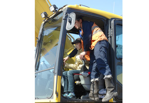 Школьники Хакасии посещают с экскурсиями предприятия добывающей отрасли