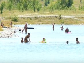 Спасатели на водах Саяногорска спасли на Гравийном карьере троих детей