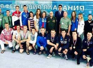 Саяногорские пловцы и в армии завоевывают медали