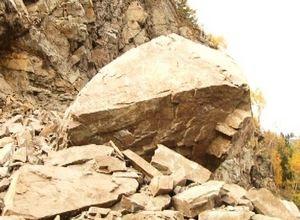 Как обезопасить саяногорцев от камнепада решают в Хакасавтодоре