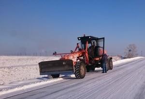 В Хакасии 10 спецмашин расчищают от снега трассу Абакан-Саяногорск