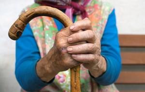 В хакасском селе 20-летний парень изнасиловал 80-летнюю старушку