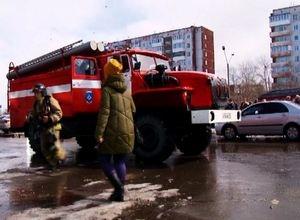 Торговый центр «Спутник» в Саяногорске условно отбили от огня