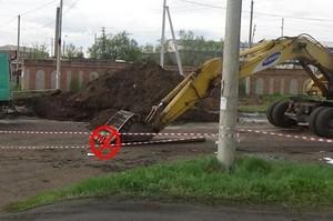 В Черногорске пьяный водитель «Лады» въехал в ковш экскаватора