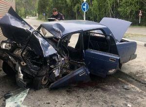 В ДТП у Майнской ГЭС пострадали водитель и его пассажиры