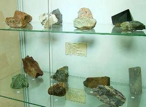 Саяногорцев знакомят с геологическими дарами Саянской земли