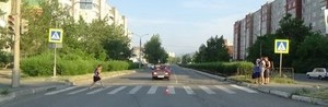 В Саяногорске пенсионерка попала по машину