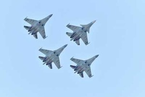 Тысячи жителей Хакасии аплодировали «Соколам России»