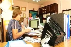 В УСПН Саяногорска начали выдачу школьных подарков в рамках акции «Дорога в школу»