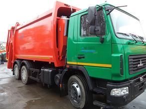 В Хакасию начали поступать новые мусоровозы.