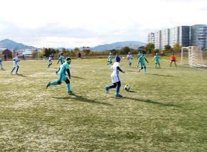 В Саяногорске стартовала футбольная «Золотая осень»