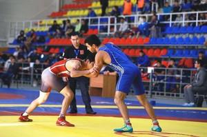 В Хакасии состоялись всероссийские соревнования по вольной борьбе