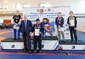 Два золота и четыре бронзы на всероссийских соревнованиях по женской борьбе