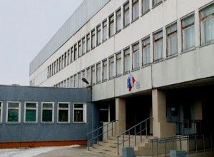 В школах Саяногорска обновляют окна и мебель