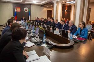 Валентин Коновалов представил новую структуру исполнительных органов власти республики