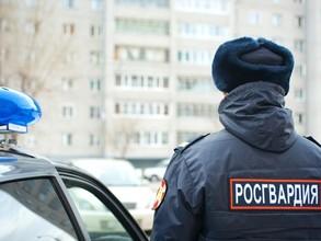 Злоумышленники бросили избитого мужчину в саяногорском баре