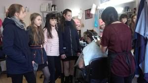 Школьники Хакасии знакомятся с профессиями сфер бытового обслуживания, ЖКХ и торговли