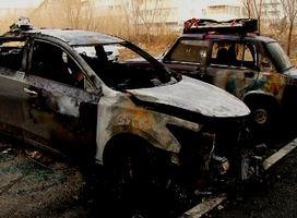 В Саяногорске от огня пострадало два автомобиля