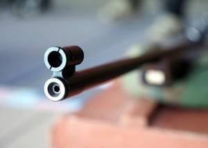 В Хакасии 12-летний школьник случайно выстрелил в приятеля
